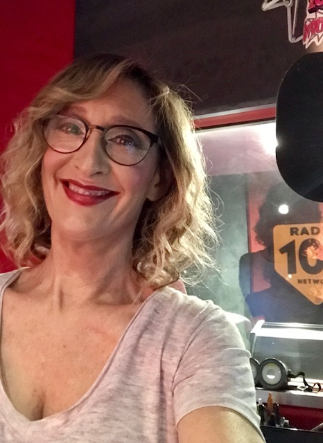 Elena Vigni Ultimo Tanga a MIami Radio 105 Vicky